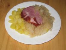 Geschmortes Sauerkraut mit Kassler und Kartoffel-Würfelchen - Rezept