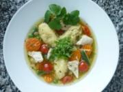 Frühlingsfrische Hühnersuppe mit Sauerampfer und Zitronenmelisse - Rezept
