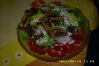 Gemischter Salat mit knusprigen Putenstreifen - Rezept