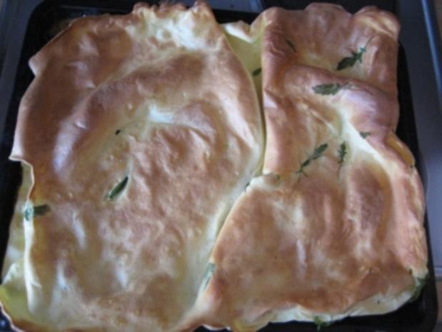Pfannkuchen vom Blech mit Frischkäse-Rucola-Füllung - Rezept - Bild Nr. 3
