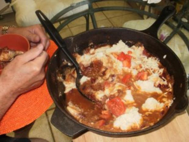 Bohnen: Chili Pfanne mit Kartoffelbrei und Kaese - Echt Amerikanisch - Rezept