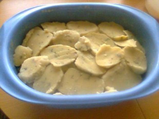 Knödelauflauf ! Knödel von gekochten Kartoffeln,waren über !   Mit Bilder.......... - Rezept - Bild Nr. 8