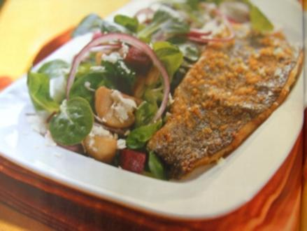 Forelle mit Vogerlsalat(Feldsalat) mit Champinions,Roten Rüben - Rezept
