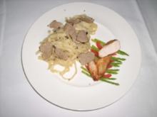 Tagliatelle mit Hähnchenbrust, schwarzen Trüffeln und grünem Spargel - Rezept