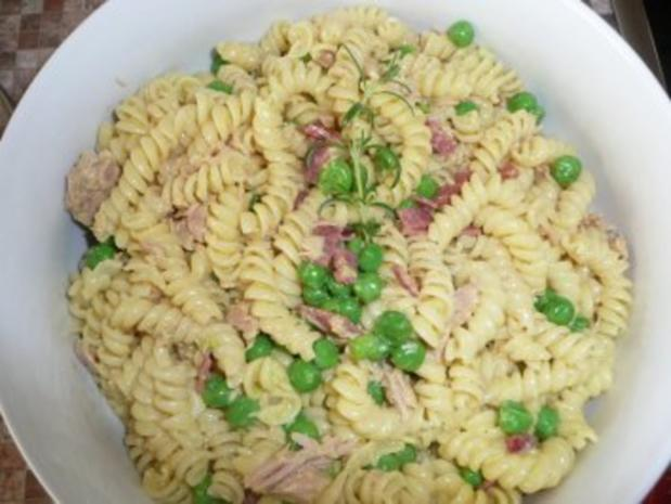 Nudelsalat mit Currycreme - Rezept
