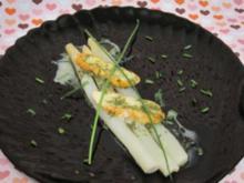 Weißer Spargel mit Weichkäse und Butter-Estragon-Weißweinsoße - Rezept