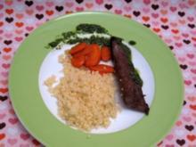 Lammfilet mit Minze, karamellisierten Karotten und Couscous - Rezept