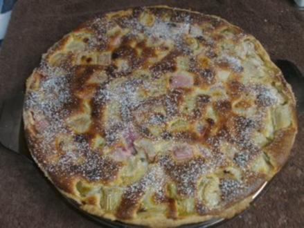 Rhabarberkuchen mit Schmandguss - Rezept