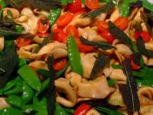 Tortelloni-Salat mit frittierten Salbeiblättern - Rezept