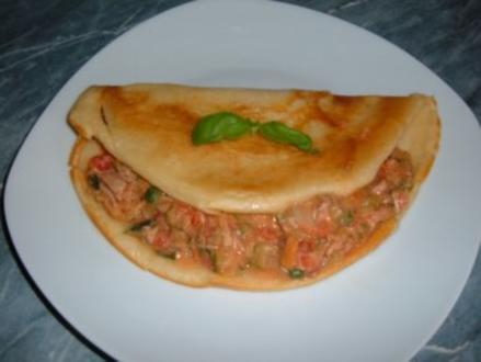 Omelett : Pfannkuchen gefüllt - Rezept