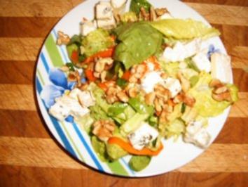 Käse-Nuss-Salat - Rezept