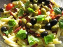 Maccaronisalat mediteran - Rezept
