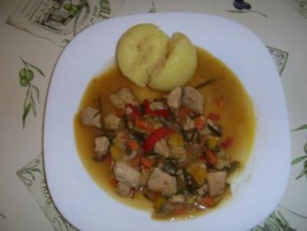 Putengulasch mit Peperoninote - Rezept