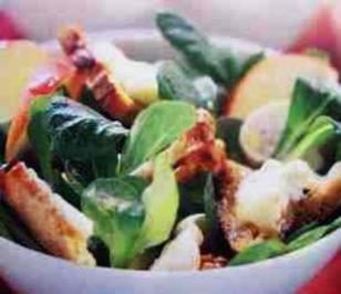 Feldsalat mit Käse - Croutons - Rezept