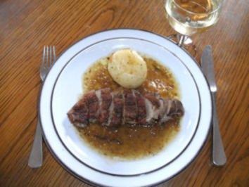 Fleisch: Gänsebrust mit Kräutern - Rezept