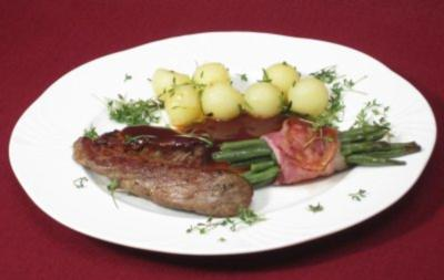 Lammrückenfilet mit Thymiansoße an Prinzessbohnen in Speck - Rezept