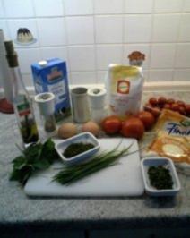 Vegetarisch:  Pfannkuchenturm mit Kräutern und Tomatenfüllung - Rezept