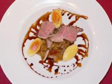 Lammcarré unter der Haube auf Schmorzwiebeln mit Parmesankartoffeln - Rezept - Bild Nr. 9