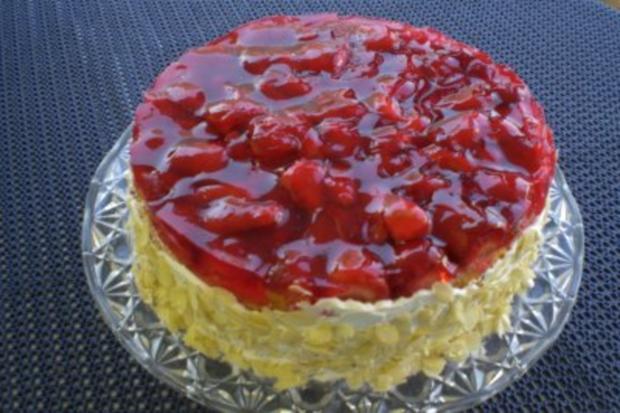 Erdbeer-Joghurt-Sahnetorte - Rezept