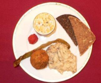 Gefüllte Artischockenherzen und Auberginensalat mit Joghurtsoße - Rezept - Bild Nr. 2