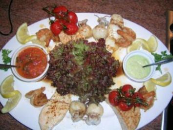 Edelfischplatte - natur belassen -  mit Salsa Criolla und Spargelpesto - Rezept