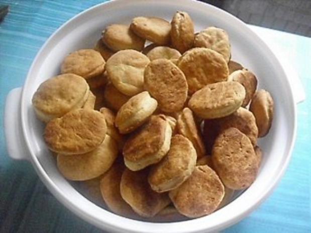 Griechisches Käsegebäck ~ Biscotakia me feta - Rezept