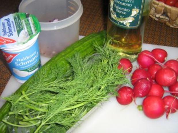 Gurkensalat mit einer Dill-Rahm-Sauce - Rezept - Bild Nr. 2