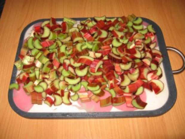 Rhabarberkuchen mit Tröpfchen - Rezept - Bild Nr. 3