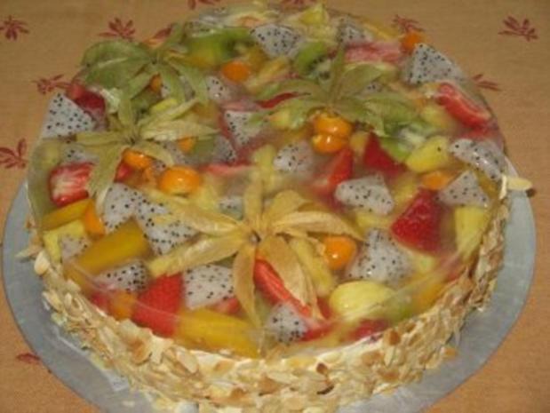 Obstkuchen mit exotischen Früchten. - Rezept