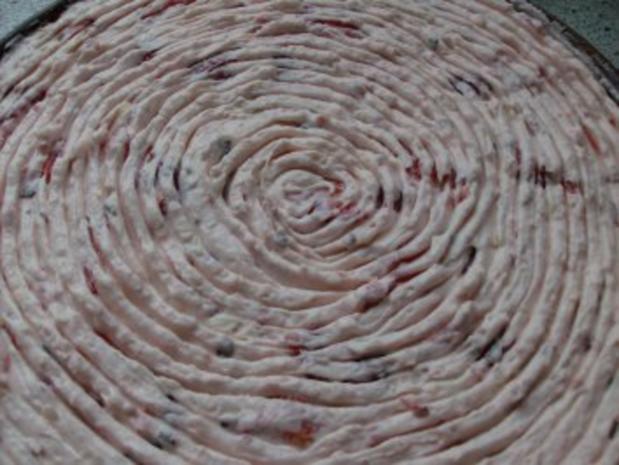 Erdbeer-Raffaello-Torte - Rezept - Bild Nr. 6