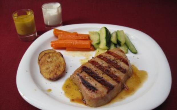 Tunfischsteak mit Gemüse und Dips - Grilled Ahi Tuna with vegetables and dip - Rezept - Bild Nr. 2