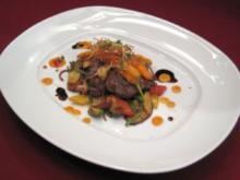 Straußensteak auf Wokgemüse, Kartoffelnudeln und Ingwerkarotten - Rezept - Bild Nr. 2