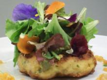 Buletten vom Seeteufel unter Blattsalaten mit lauwarmer roter Linsenvinaigrette - Rezept