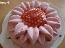 SEMIFREDDO ALLE FRAGOLE - Halbgefrorenes mit Erdbeeren - Rezept