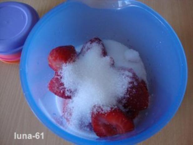 SEMIFREDDO ALLE FRAGOLE - Halbgefrorenes mit Erdbeeren - Rezept - Bild Nr. 3