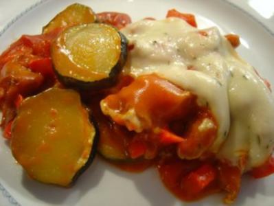 Gyros-Auflauf mit Weinbrand-Tomaten-Rahmsauce - Rezept