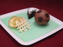 Dessertvariationen auf grünem Götterspeisespiegel und Schokoladenapfelkuchen - Rezept - Bild Nr. 2