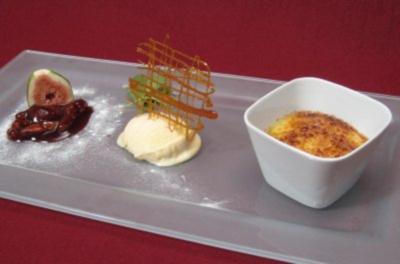 Crema Catalan auf Fruchtspiegel mit Rosmarin-Eis - Rezept - Bild Nr. 2
