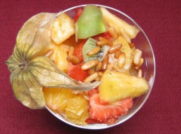 Arabischer Obstsalat mit Nüssen und Grenadine-Soße - Rezept - Bild Nr. 2