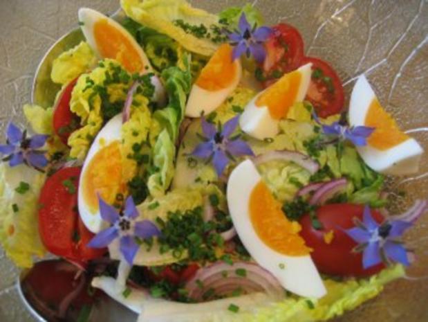 Salat-Herzen mit Borretschblüten ... - Rezept - Bild Nr. 3