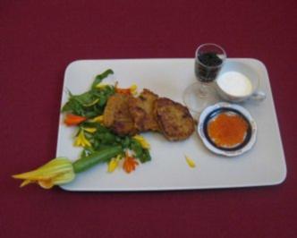 Kartoffelpuffer mit Wasabi-Schmand, getrockneten Tomaten und Forellenkaviar - Rezept - Bild Nr. 2