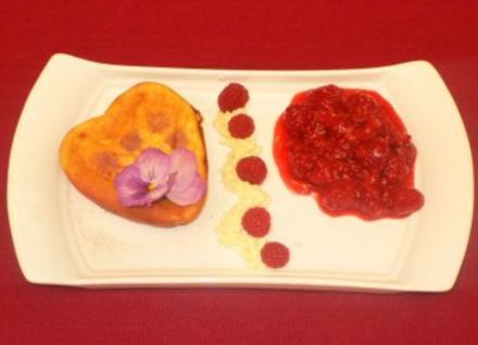 Käsekuchen ohne Boden mit Himbeergrütze und Vanillesahne - Rezept - Bild Nr. 2