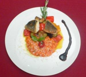 Filet von der Dorade auf Ratatouillegemüse und Tomatenrisotto - Rezept - Bild Nr. 2