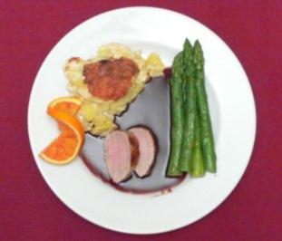 Rezept: Schweinefilet in Cumberland-Portweinsoße an Kartoffelgratin und Spargel