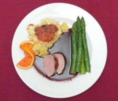 Schweinefilet in Cumberland-Portweinsoße an Kartoffelgratin und Spargel - Rezept - Bild Nr. 2