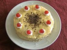 Schokoladen - Kirschtorte mit Eierlikörcreme - Rezept