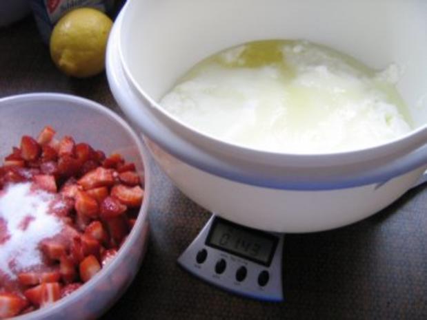 Erdbeer-Dickmilch-Sahne- Torte - Rezept - Bild Nr. 3