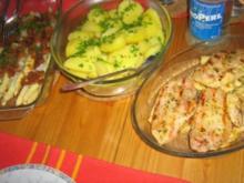 Spargel unter gerösteten Semmelbröseln an Kartoffeln mit 2-erlei Fleisch vom Grill - Rezept