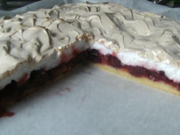 Rharbarber-Kirsch-Kuchen mit Baiser-Decke - Rezept
