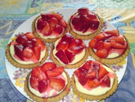Torteletts mit Erdbeeren und Vanillepudding - Rezept